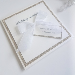 gold glitter pocketcard with bow and tag