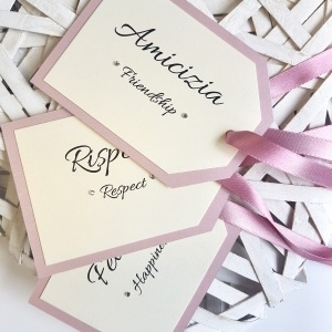 pink luggagge tag table names